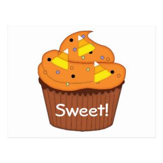 Süßer Halloween-kleiner Kuchen Postkarte