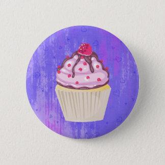 Süßer kleiner Kuchen mit Himbeere auf die Runder Button 5,7 Cm