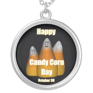 Süßigkeits-Mais-Tageshalskette am 30. Oktober Versilberte Kette