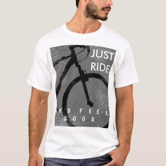 T-shirt bicyclette. tour et sensation faisants du vélo