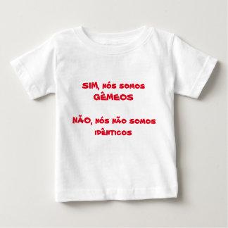 T-shirt des jumeaux
