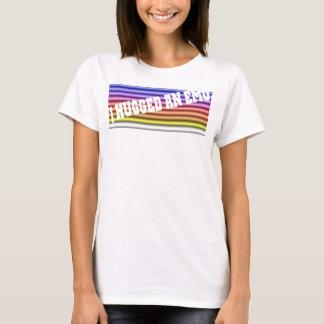 T-shirt Étreignez un emo.