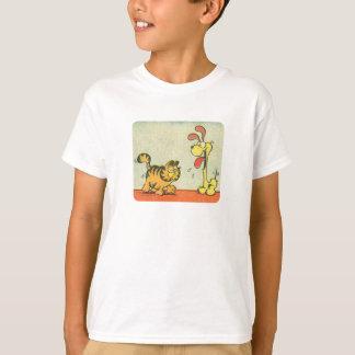 T-shirt Juste marchant par, la chemise de l'enfant