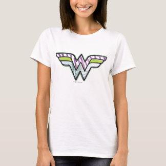 T-shirt Logo coloré de croquis de femme de merveille