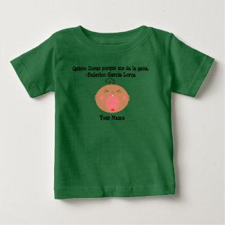 T-shirt pleurant mignon de bébé de langue