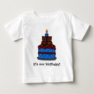 T-shirts jumeaux d'anniversaire de garçons