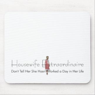T-STÜCK Hausfrau Extraordinaire Mousepad
