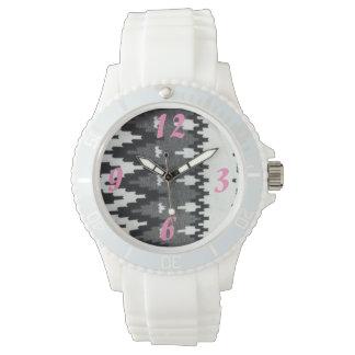 Tabistry in Schwarz-weißem Armbanduhr