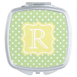 Tadellose grüne und weiße Tupfen mit Buttergelb Taschenspiegel
