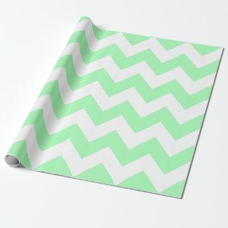 Tadelloses grünes und weißes Zickzack Geschenkpapier