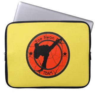 Taekwondo-Silhouette von Taekwondo-Kämpfer Laptop Sleeve