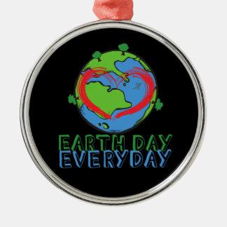 Tag der Erde: Behalten Sie Mutter-Natur-Grün u. Rundes Silberfarbenes Ornament