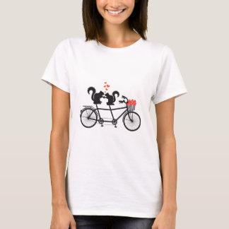 Tandemfahrrad mit Eichhörnchen T-Shirt
