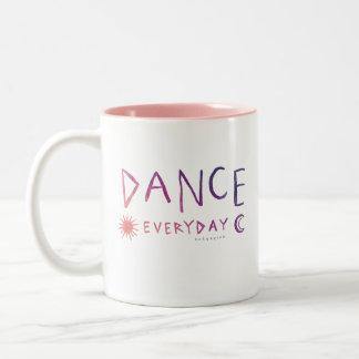 TANZ TÄGLICHES Zitat-Ballett *Sunset Ombre* Zweifarbige Tasse