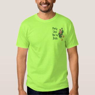 Tanzen-Kobold Besticktes T-Shirt