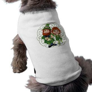 Tanzen Leprecauns Pixel-Kunst-St Patrick Tag Shirt