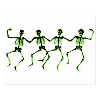 Tanzen-Skelette, grünes Glühen Postkarte