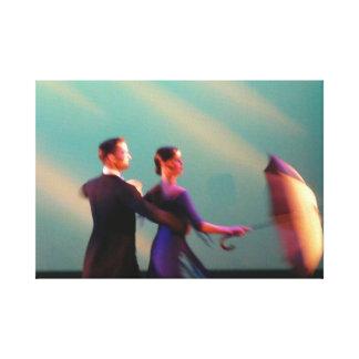 Tänzer mit Regenschirm Leinwand Drucke