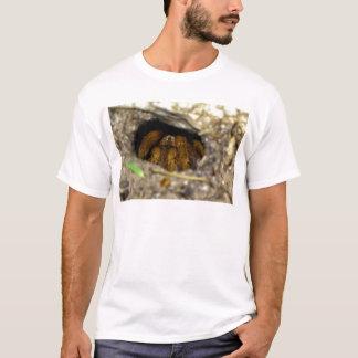 Tarantula-Unterschlupf T-Shirt