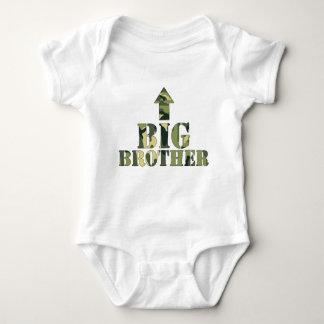 Tarnen Sie Shirt des großen Bruders/modernen