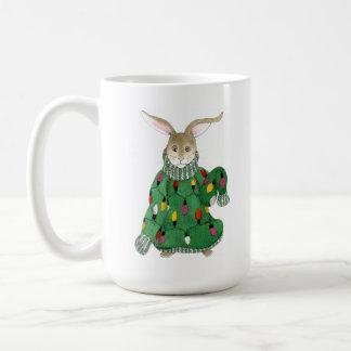 Tasse de mauvais goût de lapin de chandail de Noël