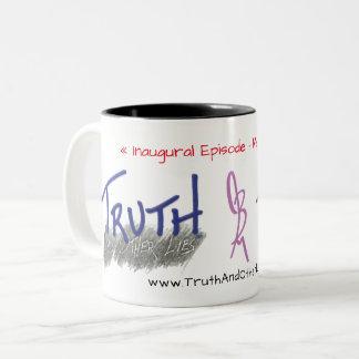 Tasse, Eröffnungsepisode, Wahrheit und anderes Zweifarbige Tasse