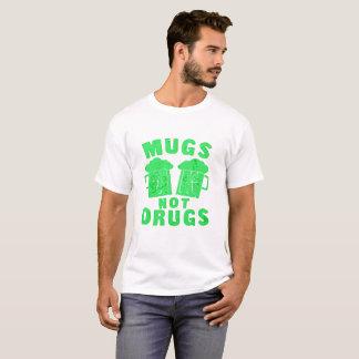Tassen-nicht Drogen-St Patrick Tagest-stück T-Shirt