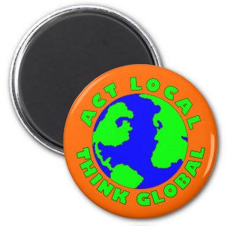 Taten-Einheimischer denken globalen Magneten Runder Magnet 5,7 Cm