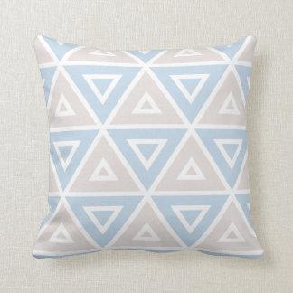 Taupe-blaues Dreieck-geometrisches Muster Kissen