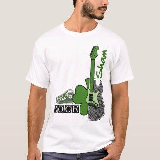 Täuschungs-Felsen. St Patrick TagesT - Shirt