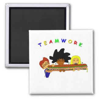 Teamwork Quadratischer Magnet