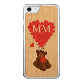 Teddybärn- und -Liebeherz Carved iPhone 7 Hülle