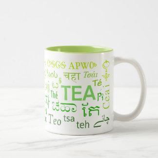 Tee in jeder SprachTasse im Grün Zweifarbige Tasse
