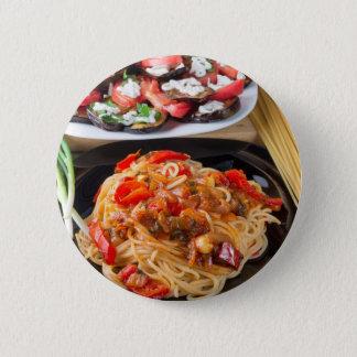 Teigwarenspaghettis mit Stücken grünem Pfeffer Runder Button 5,7 Cm