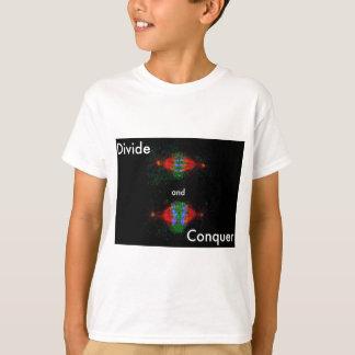 Teilen Sie sich und erobern Sie T-Shirt