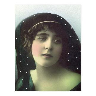 Tief im Gedanken-Vintagen Porträt Postkarte