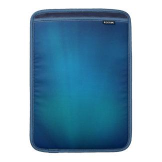 Tiefes blaues Unterwasserglühen MacBook Air Sleeve