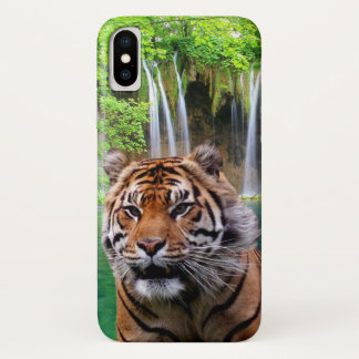 Tiger und Wasserfall iPhone X Hülle