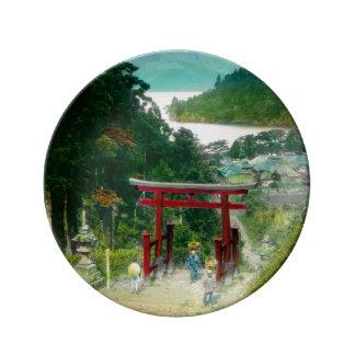 Torri au-dessus de cru du Japon de 芦ノ湖 d'Ashi de Assiette En Porcelaine