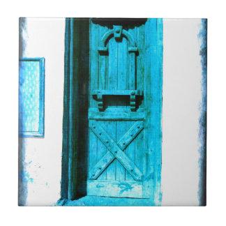 Traditionelle rustikale blaue Tür Santorini Keramikfliese