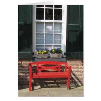 Traditionelles niederländisches Haus mit roter Karte