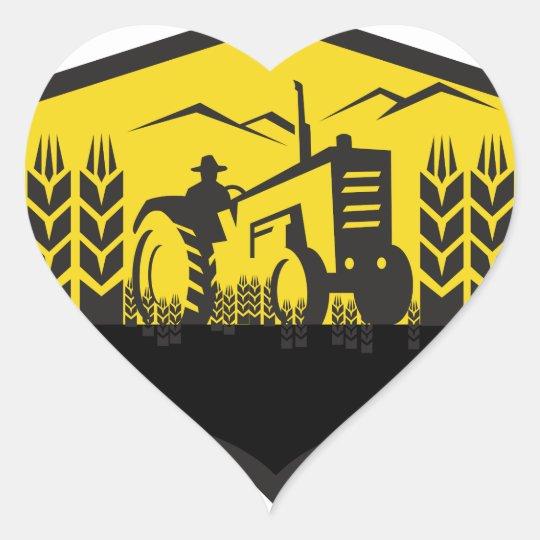 Traktor, der das Weizen-Bauernhof-Wappen Retro Herz-Aufkleber