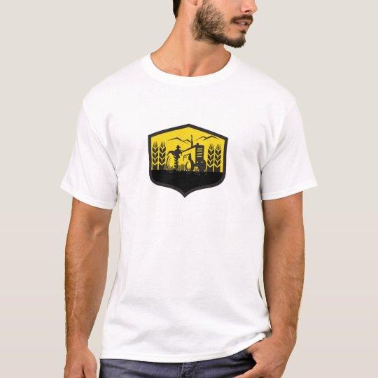 Traktor, der das Weizen-Bauernhof-Wappen Retro T-Shirt