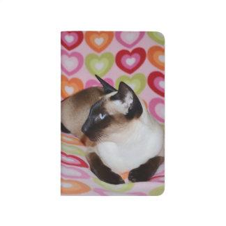 Träumerische siamesische Katzen-Herzen Taschennotizbuch