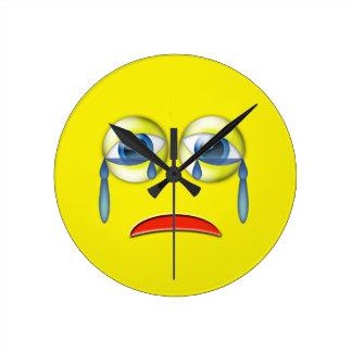 Trauriges Emoji Runde Wanduhr