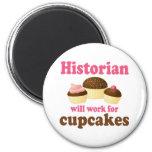 Travail drôle pour l'historien de petits gâteaux magnets pour réfrigérateur