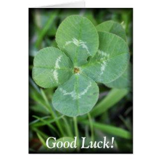 Trèfle de feuille de la bonne chance quatre carte de vœux