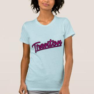 Trenton in der Magenta T-Shirt