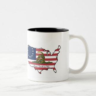 Treten Sie nicht auf mir USA Zweifarbige Tasse