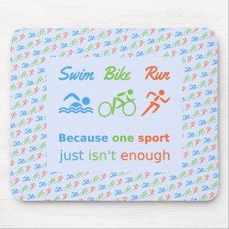 Triathlon-Schwimmenfahrradlaufpiktogrammzitat Mauspad